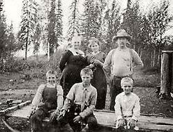 Back: Louisa, daughter Marian, Harry;   Front: Sons Ted, Elton, and Bob.